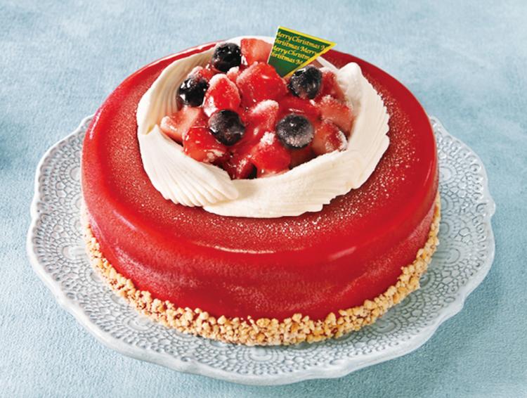 いちごのデコレーションアイスケーキ